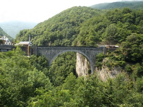Le fameux pont Napoléon de Luz Saint Sauveur