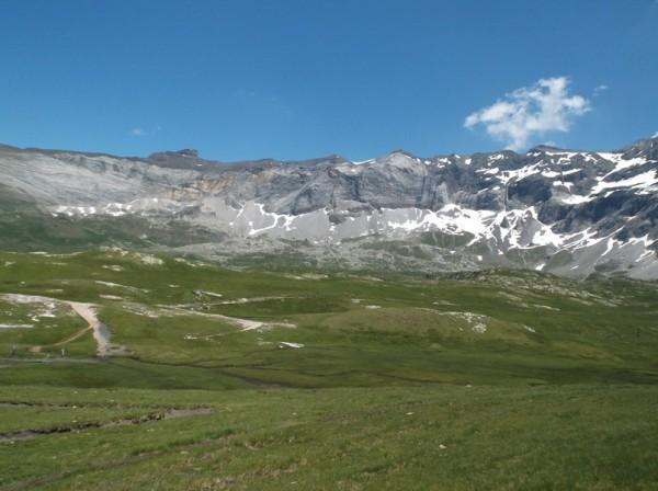 Le Mont Perdu est juste derrière en Espagne