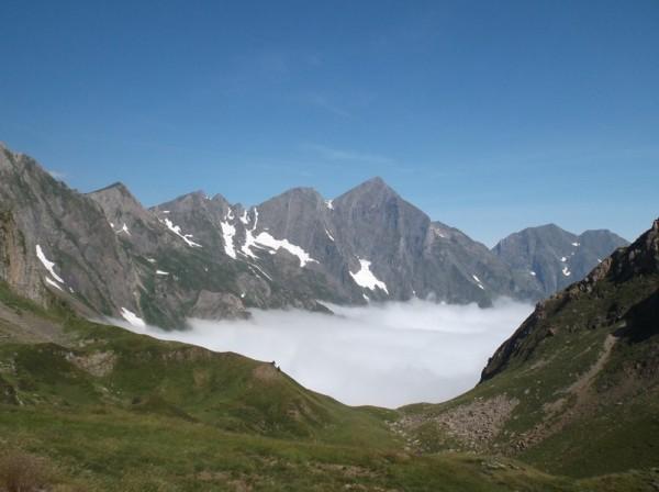 Superbe vue sur le Mont Valier au dessus de la mer de nuages !