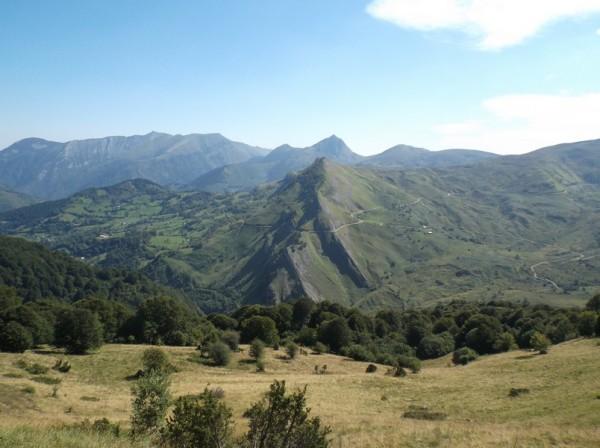La route du col du Soulor versant Ferrières en face.