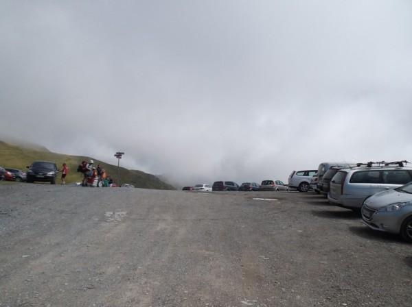 En arrivant au sommet du col de Portet à 2215m d'altitude.