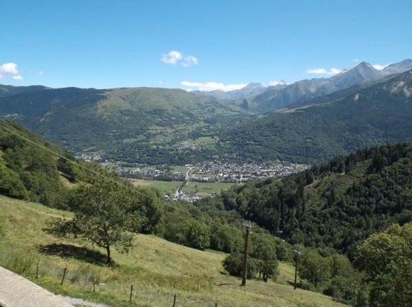 Vue sur Saint Lary dans la vallée.