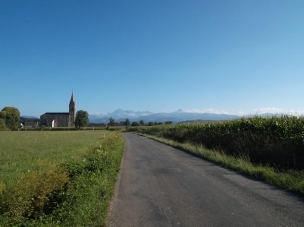 Derniers kilomètres, vue sur les Pyrénées.