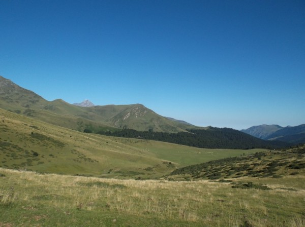 Le Pic du Midi se détache à gauche.