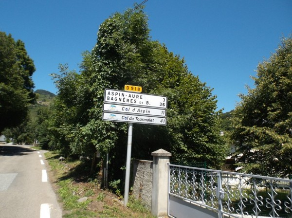 Dans le début de l'ascension du col d'Aspin.