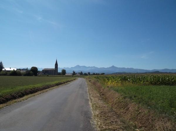 Une bien belle après midi qui se profile, le Pic du Midi à gauche et le Montaigu à droite sont facilement reconnaissables.