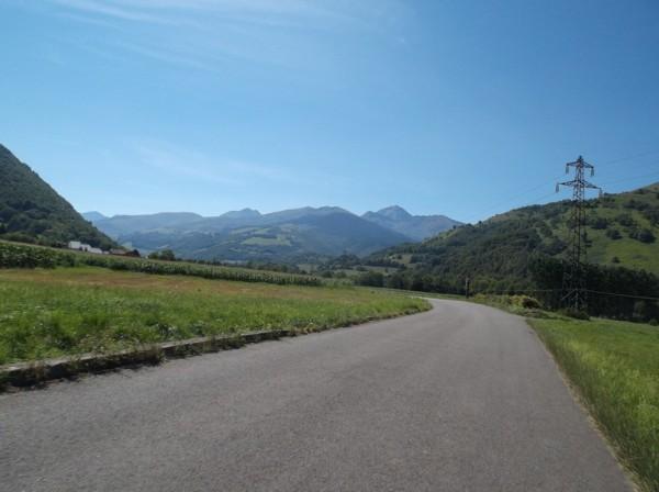 Après avoir passé Bagnères, le Pic toujours là.