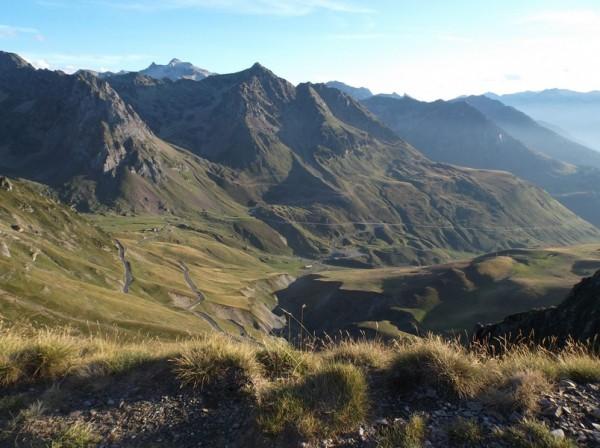 Le versant ouest du col du Tourmalet.