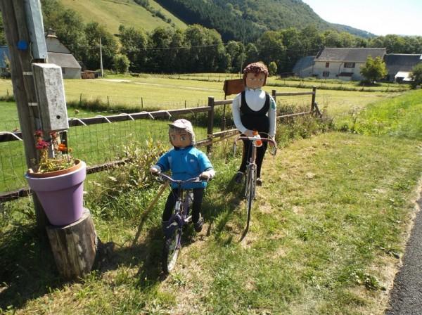 Les mounaques, une magnifique tradition de Campan qui a bercé les étés de mon enfance. Un de mes vélos avait servi lui aussi pour une mounaque lorsque j'avais 6 ans.