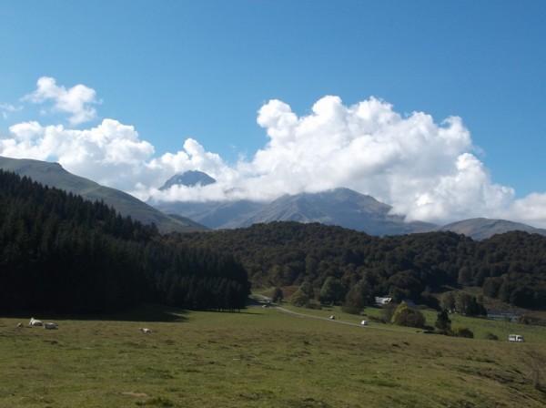 Le Pic du Midi entre les nuages !