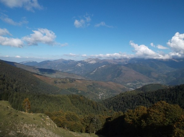 Vue côté vallée d'Aure avec une partie de la montée du col d'Aspin versant Arreau qu'on aperçoit.