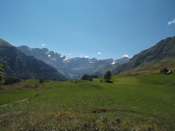 Vue splendide sur le cirque de Gavarnie depuis le parking du plateau du Saugué. Bien mérité ce paysage !