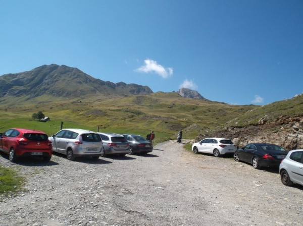 Le parking du Plateau du Daugué et les chemins de rando qui en partent.
