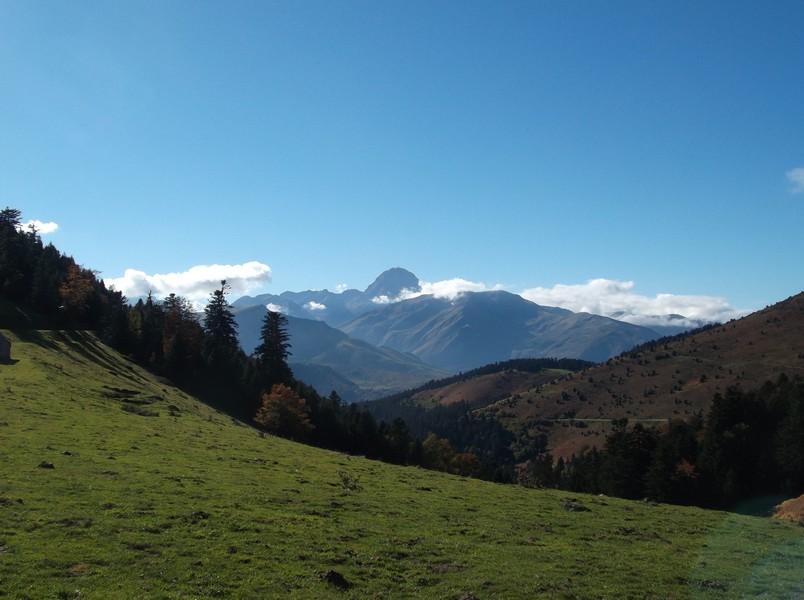 Le Pic du Midi depuis le sommet du col d'Aspin.