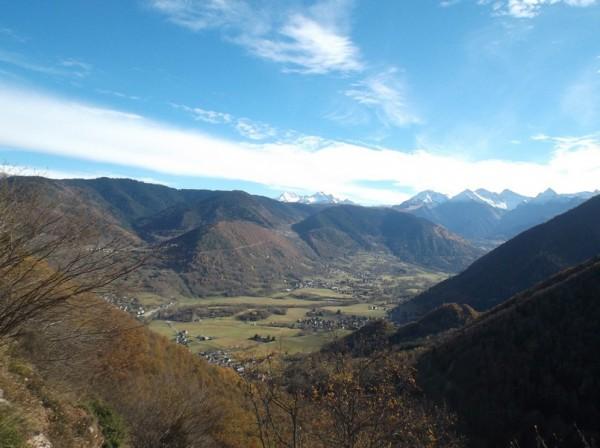 Belle vue sur la vallée qui va vers Saint Lary.