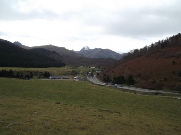Payolle et le Pic du Midi qui veille derrière.
