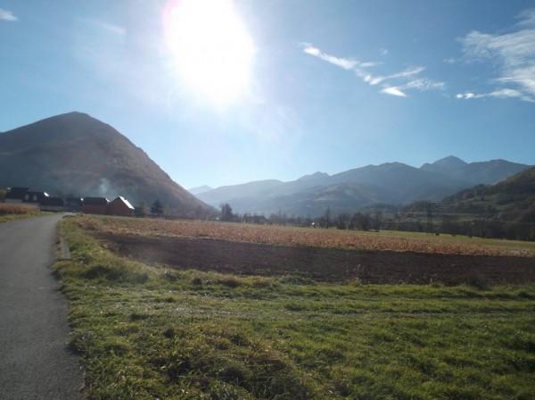 Vallée de Campan, après avoir passé Bagnères, le Pic du Midi est à droite.