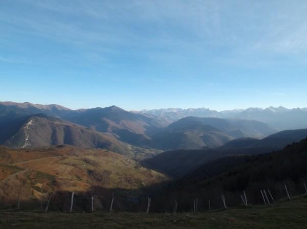 La vallée d'Aure dominée par le massif de l'Aneto.
