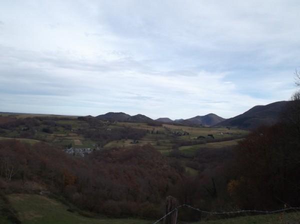 Vue en regardant en aval de la vallée d'Aure.