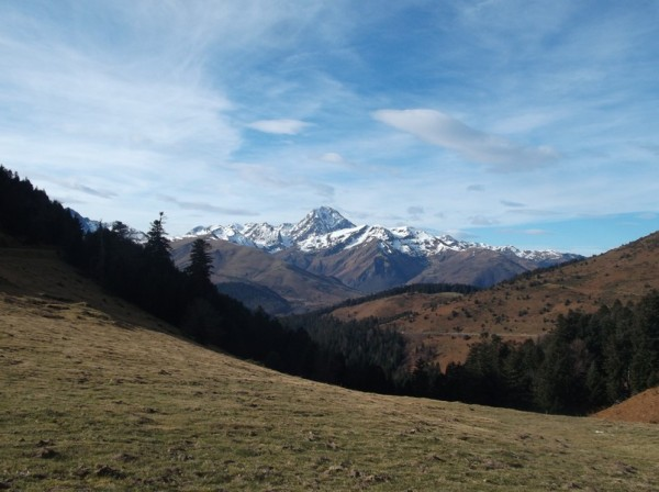 Le Pic du Midi, très peu enneigé.