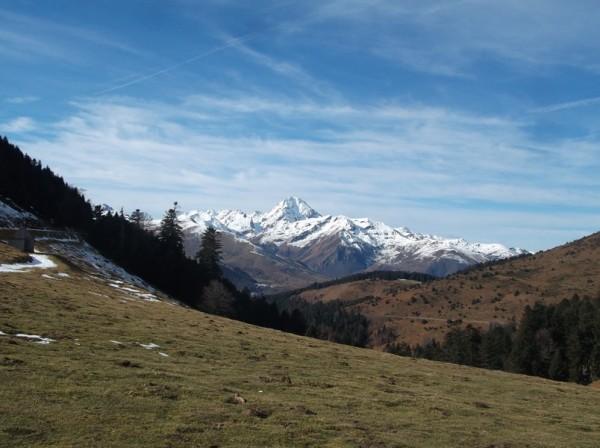 Vue sur le Pic du Midi depuis le sommet.