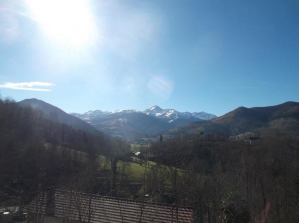 Le Pic du Midi qui domine la vallée de Campan, vu depuis la montée.