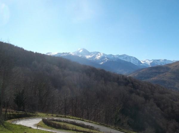 Vue sur le Pic du Midi dans la descente.