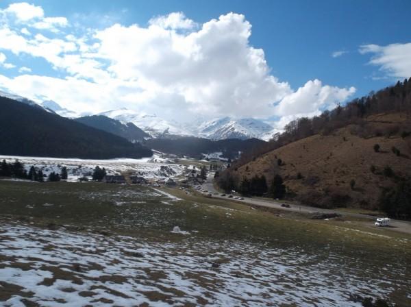 Le Pic du Midi est dans les nuages au dessus de Payolle.