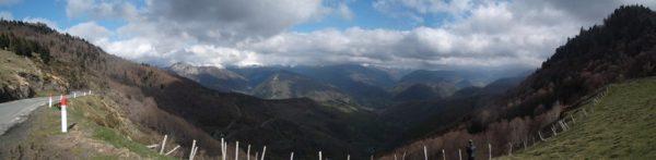 En panoramique.