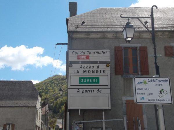 Et nous voici au pied du col du Tourmalet !!