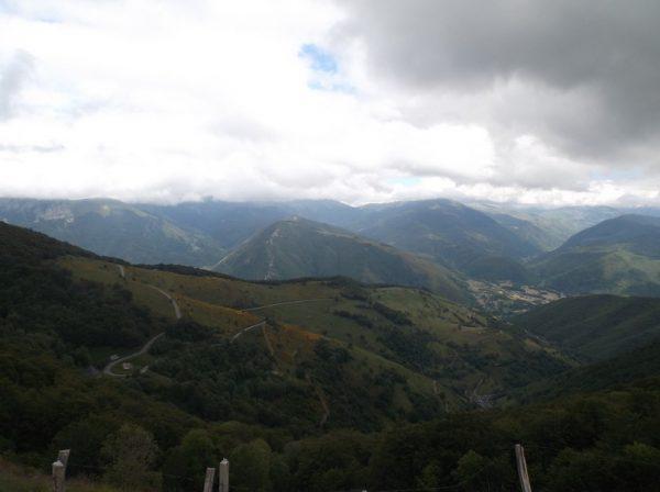 Au sommet, vue sur le versant Arreau.