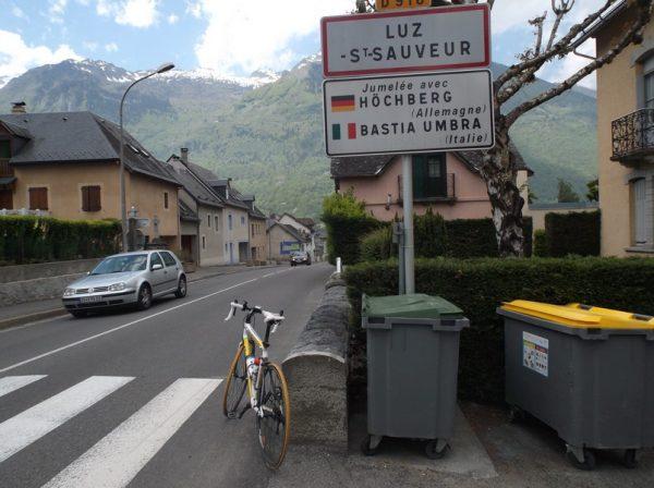 Luz Saint Sauveur, demi tour pour attaquer la 2e ascension du Tourmalet.