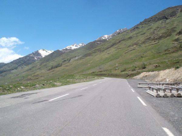 Le paysage devient magnifique après Super Barèges dans la 2e moitié de l'ascension.