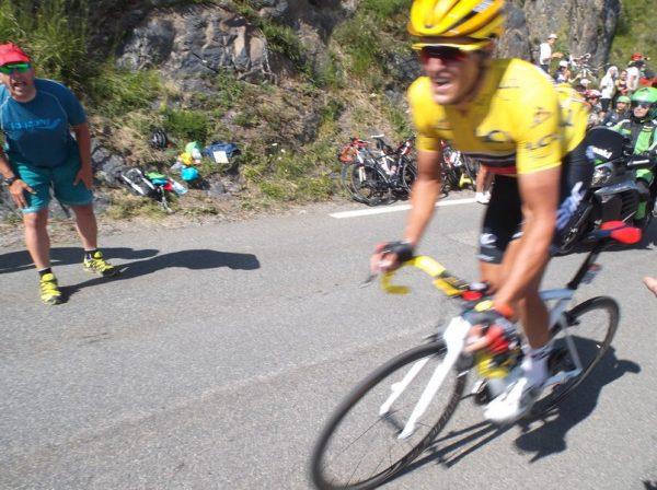 Van Avermaet maillot jaune.
