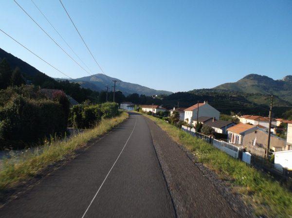 Sur la voie verte entre Lourdes et Argelès avec Pascal.