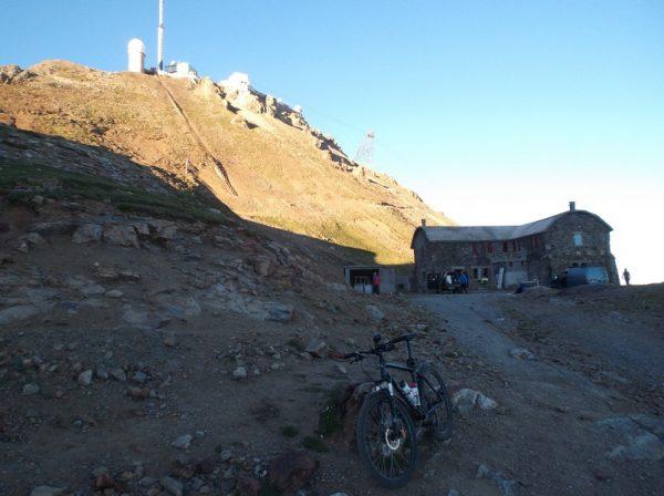 Au col des Laquets à 2637m d'altitude !!