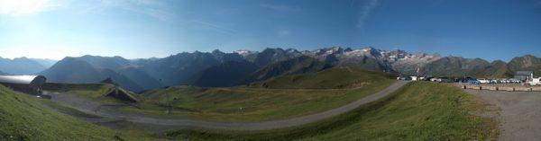 Et avec le panorama superbe et le Pic d'Aneto et la Maladeta plein centre !!