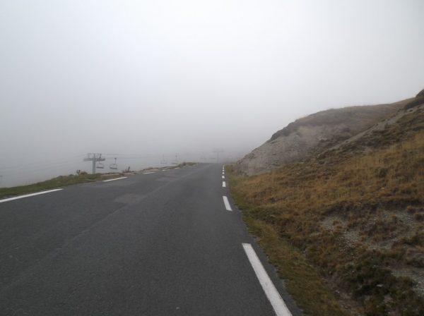 A 2,5 km du sommet j'entre dans les nuages.