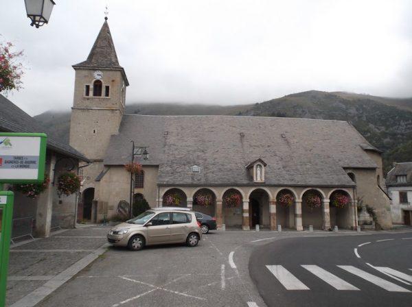Sainte Marie de Campan, fin de la descente, je mange mes pâtes avant de continuer vers Bagnères.