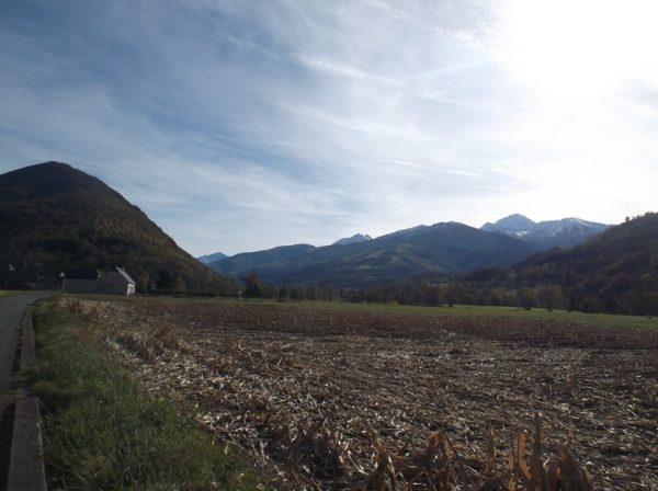 Ciel voilé mais plutôt beau dans l'ensemble. Le Pic du Midi est en forme !