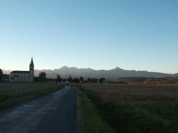Lever du soleil sur les Pyrénées en automne, sublime !! Je ne m'en lasse jamais de cette vue de tous les jours !!